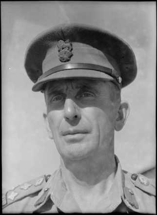 Portrait of Brigadier Norman William McDonald Weir. Photograph taken at Maadi, Egypt, in August 1943 by George Robert Bull. Alexander Turnbull Library, Wellington, DA-04423-F. Image is subject to copyright restrictions.